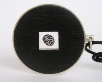 Jewellery round Pendant Ebony, Silver and Zebra shell : $100