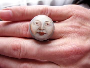 Ring Miniature Moon Face Portrait : $200